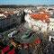 Ostermarkt auf dem Altstädter Ring rund um das Denkmal von Jan Huss
