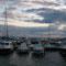 Das scheinbar gute Wetter trügt aber. Auf offener See Windstärke 7 und Orkan angesagt.