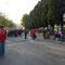 Jede Menge BayernFans vor dem Eingang zum FanBlock