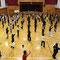 体育館いっぱいに100名が踊ります。