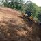 ブルドーザーを用いた斜面での地剥ぎ試験