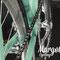 Fixed bike dettaglio cerchio anodizzato argento e pista frenante fresata