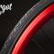 Dettaglio in primo piano del cerchio rosso anodizzato della bicicletta bixed Toro Loco
