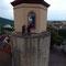 Hoch oben auf dem Turm von einer Drohne aus fotografiert
