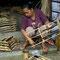 Und noch etwas für die Musikalischen. Angklung Herstellung bei Udjo in Bandung.