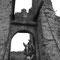 Gaston au château médiéval de Montcornet