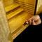 棚板は仏具の大きさに合わせスライドさせてお好きな位置で使用出来ます。