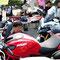 DUCATIの横でバイク談議に花が咲いているようです(*^_^*)