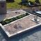 halmstad granit geflammt, Schriftzüge aus Bronze, Kiesfläche