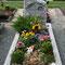 ...und dann auf dem Friedhof.