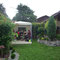 Fahrradoase im Gartenpavillon, Deutschland.