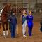 Christoph Glassmann bedankt sich bei Sina Rückert und Jana Galda für die Voltigiervorführung