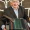 Евсеев Александр Алексеевич - гармонист со стажем. Ему 87 лет