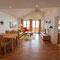 Wohnzimmer mit Balkon - Wohnung 2 -  Ferienhaus Traumblick
