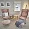 Zwei Ro-Sessel, entworfen von Jaime Hayon für Fritz Hansen in in einem Projekt in Keitum