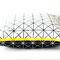 Kissen Linien 50 x 50 cm mit sichtbarem gelben Reißverschluss