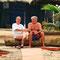 Dr. Walter Mezgolich und Siegfreid Zapletal am Strand in Ghana