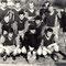 Beim Turnier in Obersiebenbrunn Mannschaft 1965. Der SC Zuckerfabrik Leopoldsdorf 1965:     v.l.n.r. stehend: Sektionsleiter Franz Aichmayer (+), Hubert Tuschek, Varecha, Friedl Tuschek (+), Kellerer, Friedl, Spielertrainer Sobotka.     v.l.n.r. gebückt: