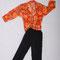 0021 Pantalón negro y camisa estampada con flores - color naranja, pequeño y mediano