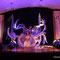 """Zwei Hathorpfeiler als Bühnenbilder auf der Show """"Orient Xdream"""" 2015, Tanz: Brigantia Astaria (Alea und Mirimah), Foto: Claudia Weismüller"""