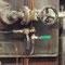 Soffiatori a vapore (caldaia Seveso - ospedale di Bolzano). La valvola apre il vapore, e la leva in alto viene ruotata per far ruotare i getti di vapore. Particolarmente utile per generatori ad olio combustibile.