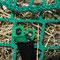 Befestigung oben: Steckverschluss am Netzüberwurf mit Druckknopf schließen