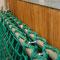 Nach dem einhängen der vorderen Stange ist das komplette Netz sicher verschlossen.