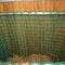 Netz Draufsicht. Durch die spezielle Taschenform des Netzes hat man bei dieser Raufe eine sehr große Öffnung zum befüllen.