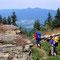 Ein letzter Blick zu den Osser-Gipfeln, hier beim Abstieg vom Kleinen Arber aus gesehen.