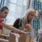 fesch'markt mini 2012, anna pollack taschen im hintergrund