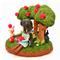 今日はリンゴの収穫祭、白雪姫と一緒に森の動物も集まって来ました。