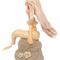 人魚姫が腰をかける岩にも、白菫を飾らせていただきました。