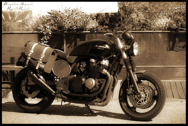 Kawasaki zr7 Bratstyle _ parabellum_motorycle_retro_vintage_preparation_moto