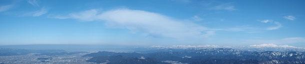 北・北東方面:福井市とその先は坂井平野・三国さらに日本海です。            我がホームグランドの文殊山もバッチリです。