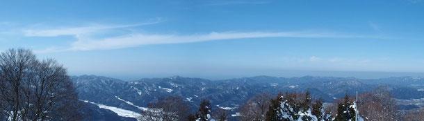 西方面:越前市・越前町そして日本海。残念ながら若狭や丹後半島は見えなかった