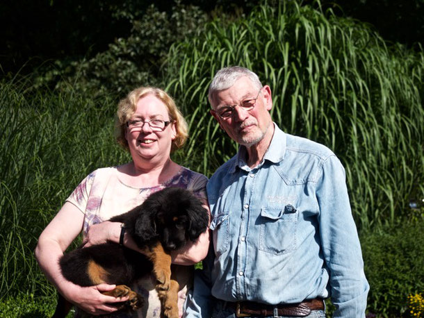 Bandit macht jetzt die Deutsch-holländische Grenze in Emmerich bei Susanne und Ulrich unsicher