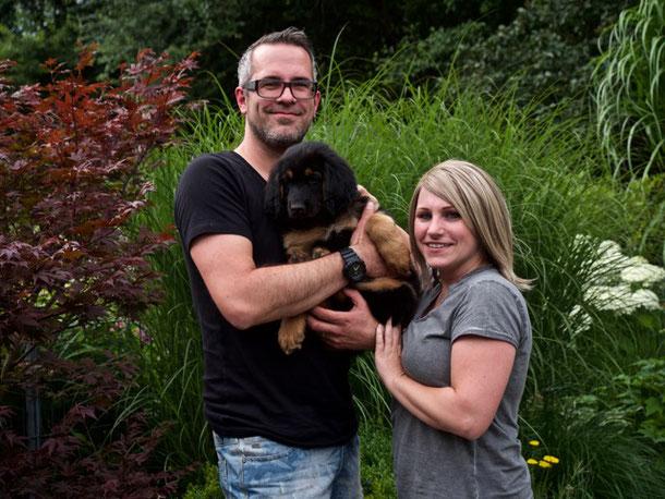 Bela lebt ab sofort in der Nachbarstadt Gladbeck  bei Melanie und Tobias
