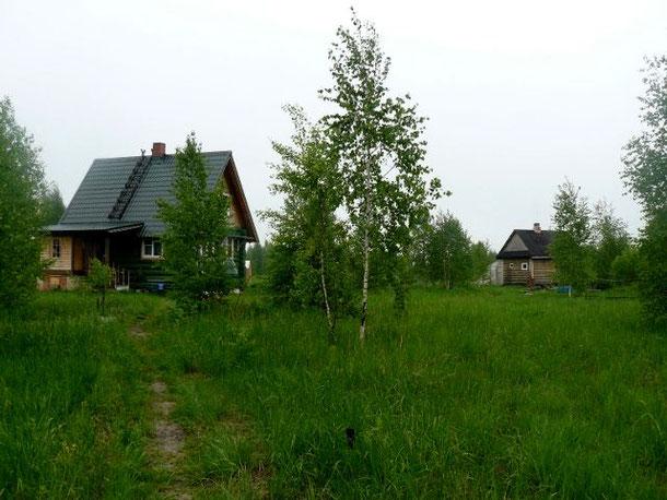 Ivan Dmitriyevichs Hektar (rechts das kleine Badehaus)
