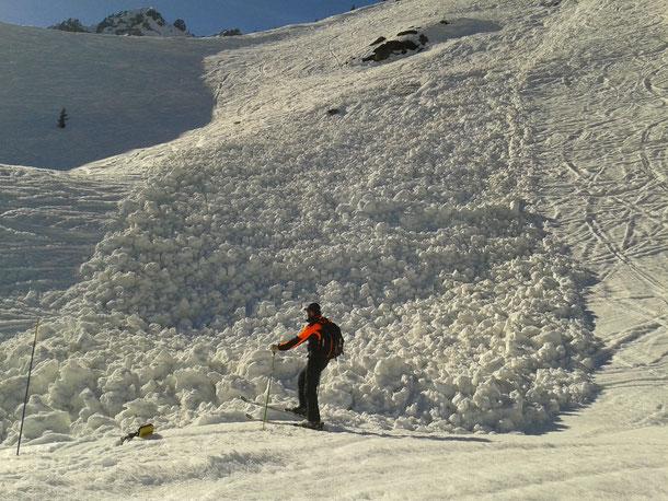 Avalanche de neige lourde à la Flégère.