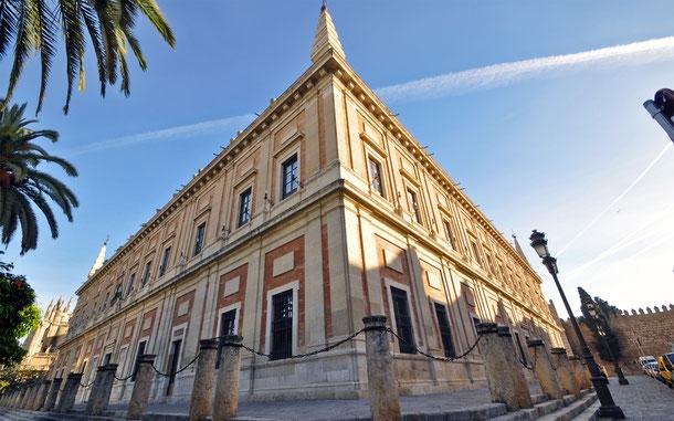 スペインの世界遺産「セビリアの大聖堂、アルカサルとインディアス古文書館」のインディアス古文書館