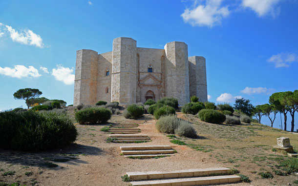 世界遺産「デル・モンテ城(イタリア)」