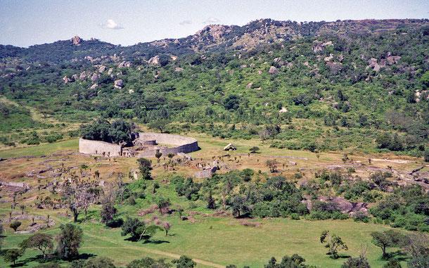 世界遺産「グレート・ジンバブエ国立記念物(ジンバブエ)」のグレート・エンクロージャー(大囲壁)