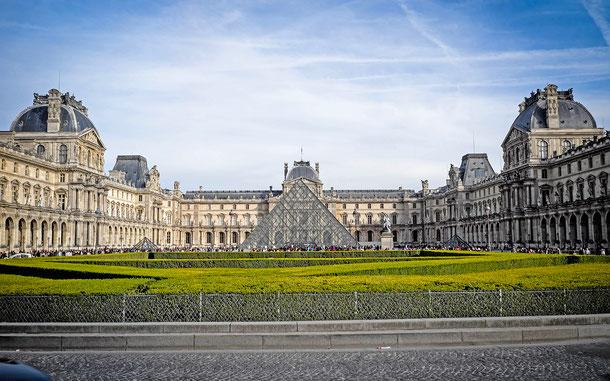 フランスの世界遺産「パリのセーヌ河岸」、ルーヴル美術館