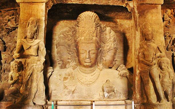 世界遺産「エレファンタ石窟群(インド)」、シヴァ・トリムルティ像