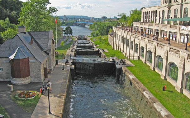 カナダの世界遺産「リドー運河」のオタワ・ロック・ステーション