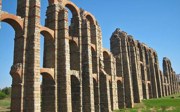 世界遺産「メリダの考古遺跡群(スペイン)」、ミラグロス水道橋