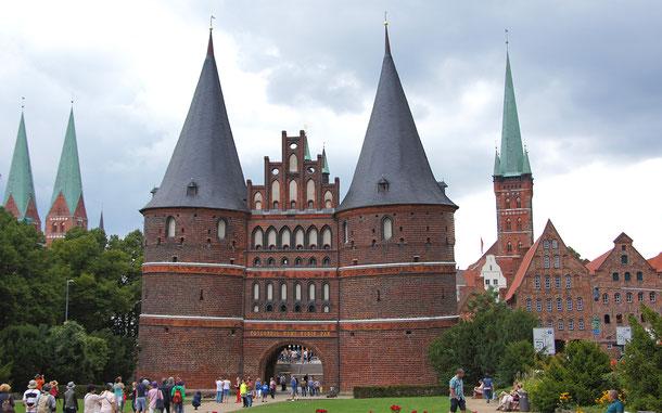 世界遺産「ハンザ同盟都市リューベック(ドイツ)」、ホルステイン門