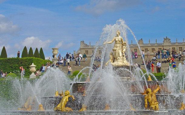 世界遺産「ベルサイユの宮殿と庭園(フランス)」、ベルサイユ庭園のラトナの泉