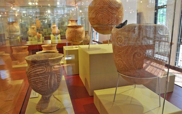 世界遺産「バンチェンの古代遺跡(タイ)」出土の彩陶