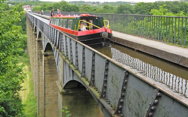 世界遺産「ポントカサステ水路橋と水路(イギリス)」